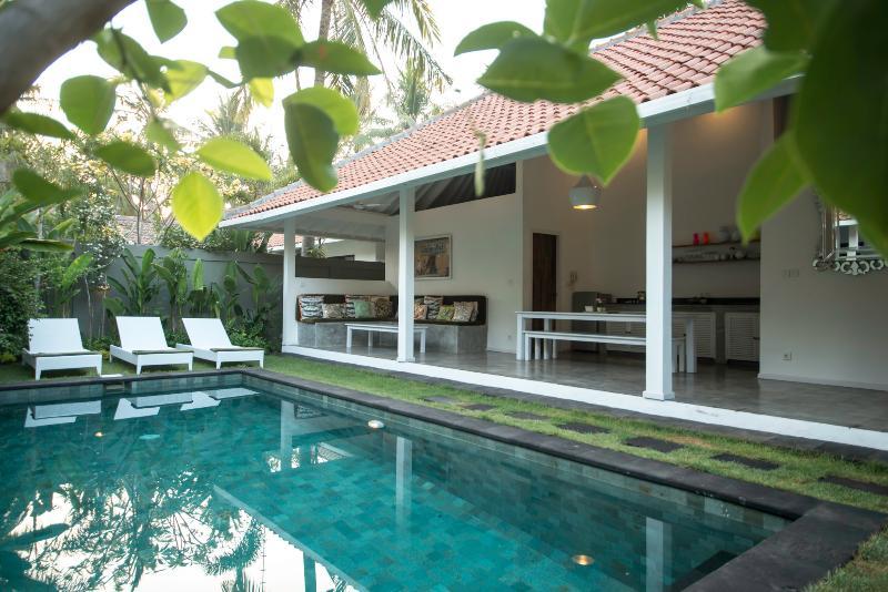 Gili Khumba 1 Bedroom Villa, Gili Trawangan - Image 1 - Gili Trawangan - rentals