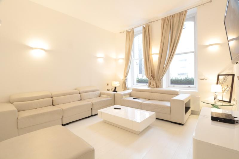 Furnished  4BR Suites Walk to Westbourne Grove & Notting Hill - Image 1 - London - rentals