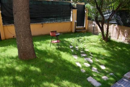 Apartment with lovely garden in Rome. - 3460 - Image 1 - Rome - rentals
