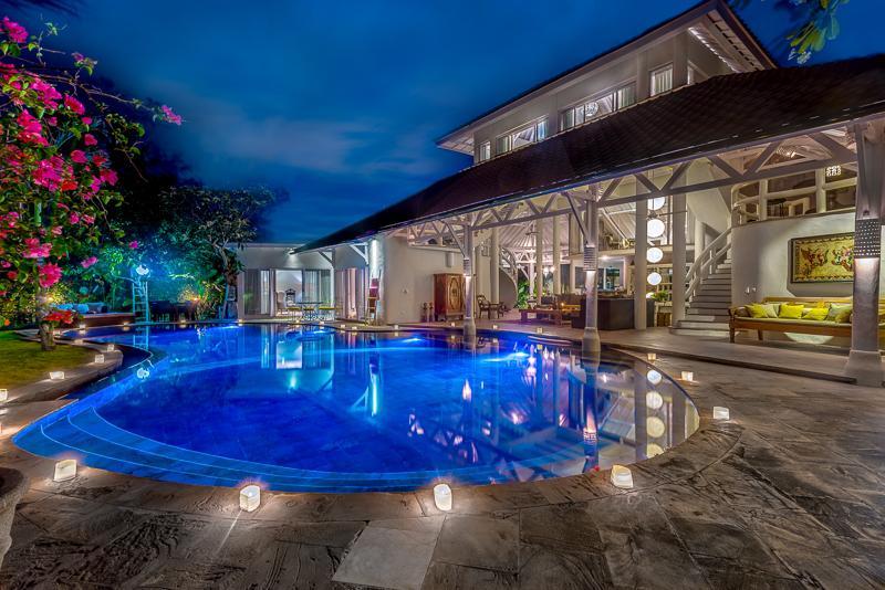 Fabulous 6 bedrooms in Prime location - Image 1 - Seminyak - rentals