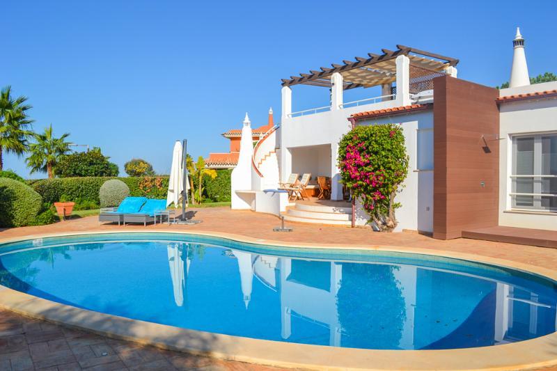 Villa Golfe - Image 1 - Almancil - rentals