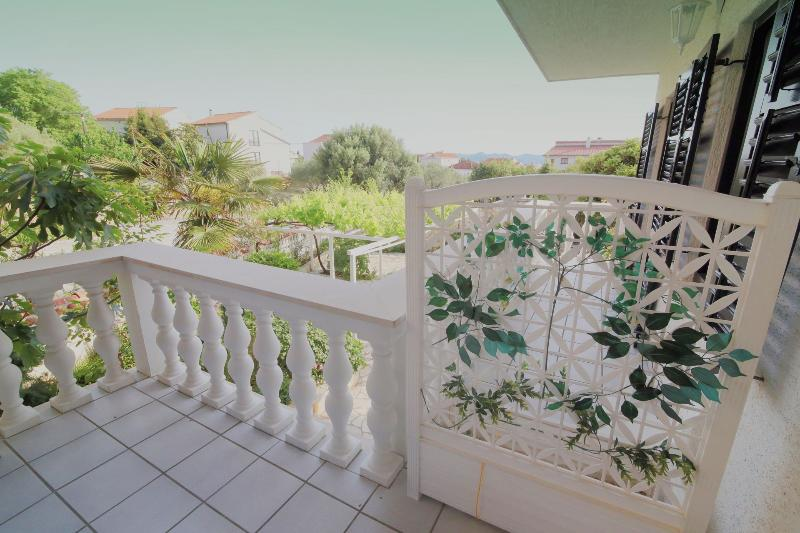 A4(2+2): covered terrace - 5969 A4(2+2) - Zadar - Zadar - rentals