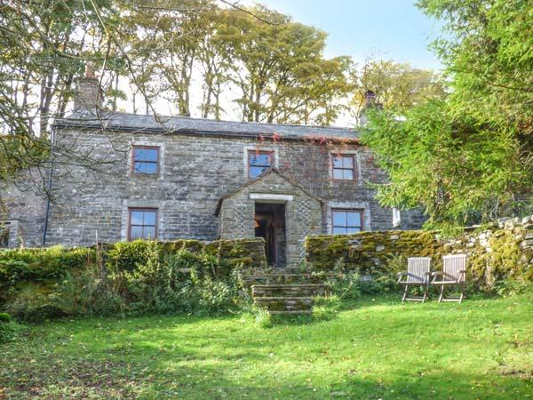 SYCAMORE TREE FARM, Grade II listed detached farmhouse, open fire, pet-friendly, walks from the door, in Mallerstang, Ravenstonedale, Ref 916483 - Image 1 - Ravenstonedale - rentals