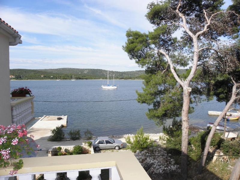 A2(3+2) CRVENI: terrace view - 2675  A2(3+2) CRVENI - Veli Rat - Veli rat - rentals