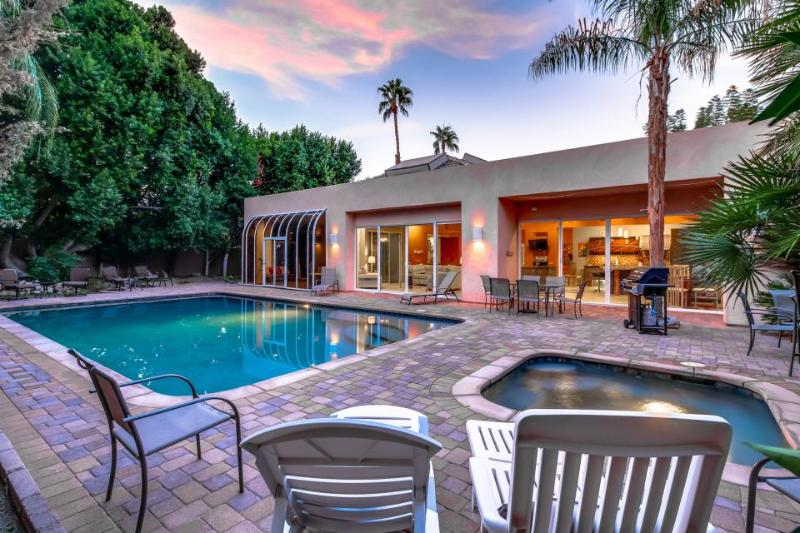 Stunning, dog-friendly, quiet home with private pool and hot tub - Image 1 - Palm Desert - rentals