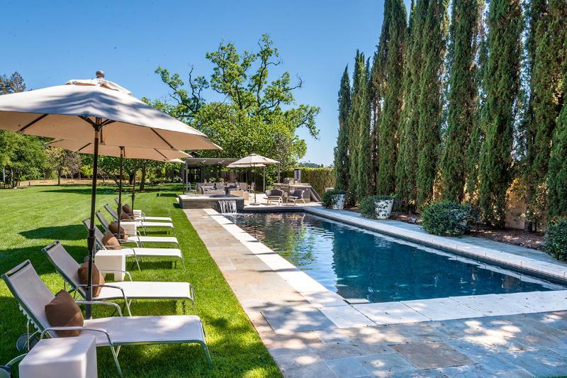 Vineyard Estate, Sleeps 14 - Image 1 - Calistoga - rentals