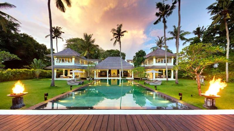 Villa Matahari - Luxury 4BR Villa footsteps away from Seseh Beach - Canggu - rentals
