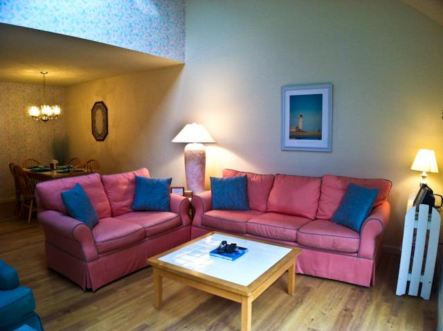 Living area - Ocean Edge: King Bed, A/C, Sleeps 6 with WiFi & Pool Passes (Fees Apply) - HO0608 - Brewster - rentals