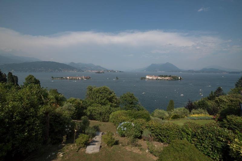 Waterfront Farmhouse with Views of Lake Maggiore - Villa Silvia - Image 1 - Stresa - rentals