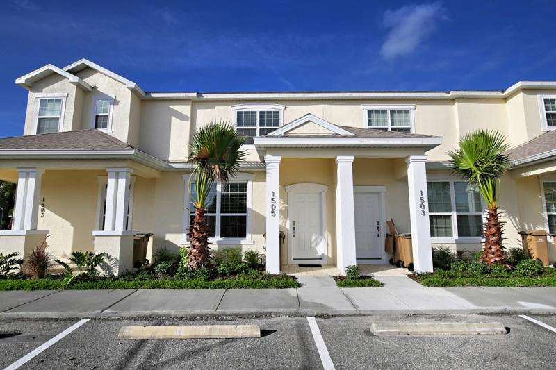 Front of Home - 3 Bed 3 Bath Pool Home + Clubhouse (1505-RETREAT) - Davenport - rentals