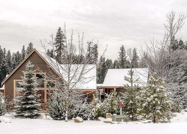 Welcome to The Cabin! Book 3 Nights and Receive the 4th Night Free! - Picturesque Cabin Nr Suncadia|Hot Tub,WiFi, Slp9| 3-for-2 Specials - Cle Elum - rentals