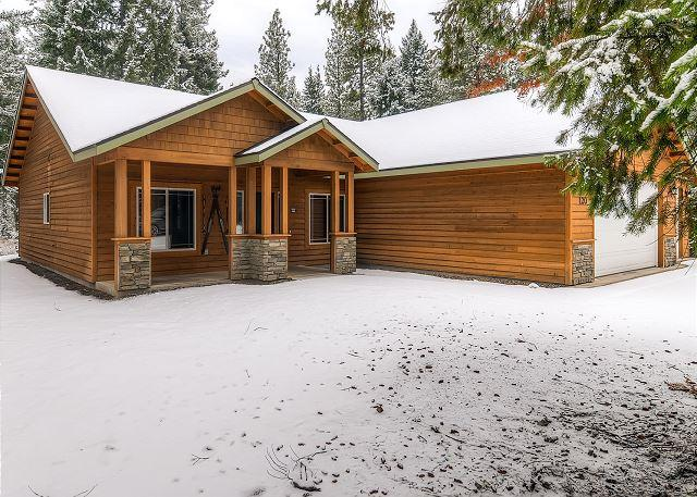 Private 4BD Winter Cabin,Slps8 |Hot Tub, WiFi, Game Room| 3rd Nt Free This Wk - Image 1 - Cle Elum - rentals