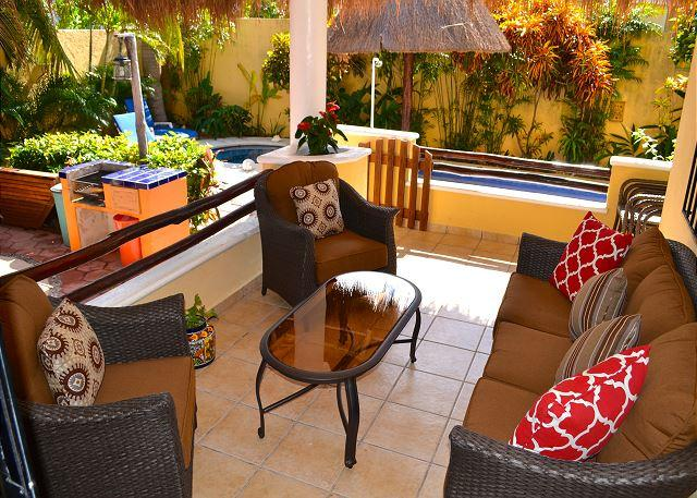Villa private patio. - SPACIOUS BRIGHT 1st FLOOR, OCEAN BREEZE, POOL & HOT TUB, AIR CON, BIKES. - Puerto Morelos - rentals