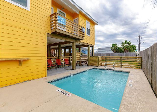 Private Pool - Tequila Sunrise: PRIVATE POOL,  Close to Beach,  4 bdrm, 3 bath - Port Aransas - rentals