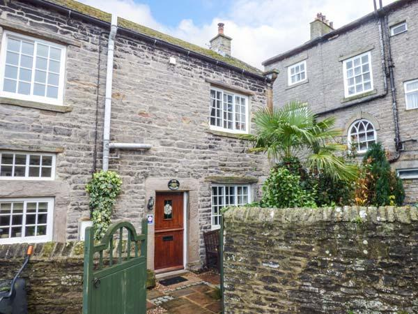 JADE COTTAGE, family friendly, character holiday cottage, with open fire in Middleham, Ref 805 - Image 1 - Middleham - rentals
