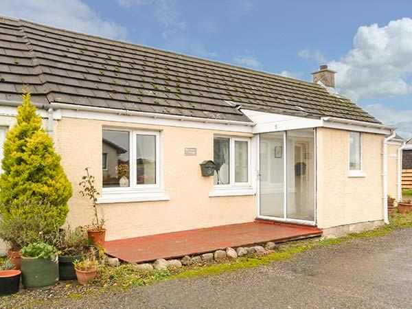 BRAEMAR COTTAGE, semi-detached, all ground floor, conservatory, garden, in Inver, Tain, Ref 929349 - Image 1 - Tain - rentals
