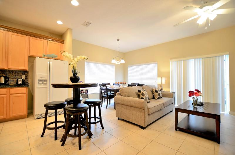 Living Room & Dining Area - New Opening 5Br/3Ba Hot Tub/Lake View - Kissimmee - rentals