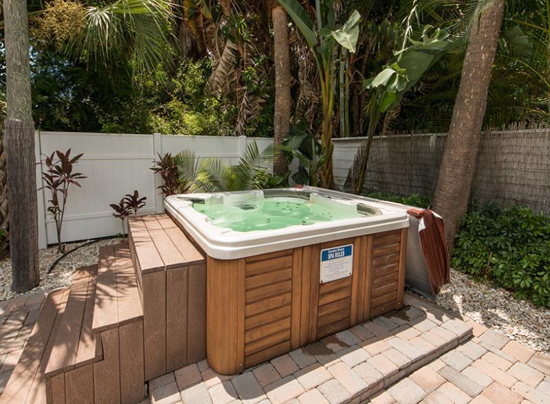 Coconut Breeze III - Monthly Beach Rental - Image 1 - Clearwater Beach - rentals