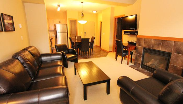 Wonderful, spacious living area - Canmore Lodges at Canmore 1 Bedroom Premium Condo - Canmore - rentals