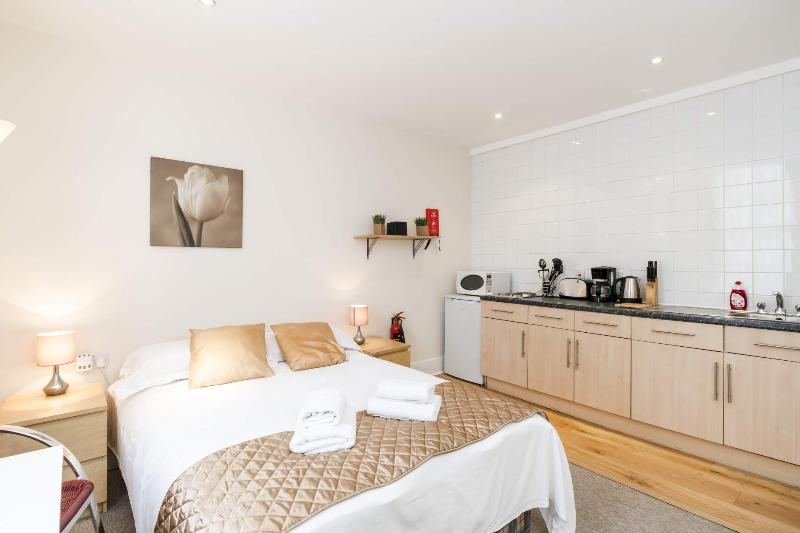 **SUPERB** London Studio - Unbeatable location! - Image 1 - London - rentals