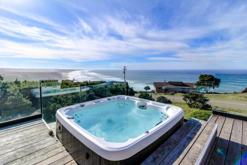 Oceanfront home with a private hot tub & gorgeous deck! - Image 1 - Manchester - rentals