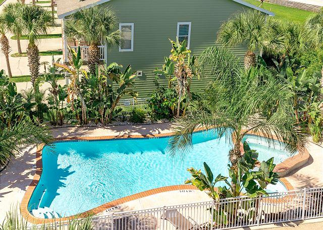 Shared Pool - Sandhill Townhome Great 3/2 in Port A! Pet Friendly and Golf Cart Included - Port Aransas - rentals