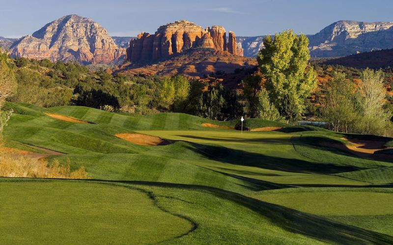 The Sedona Golf Resort is right out our front door. - Golf Course Townhouse in the Red Rocks - Sedona - rentals