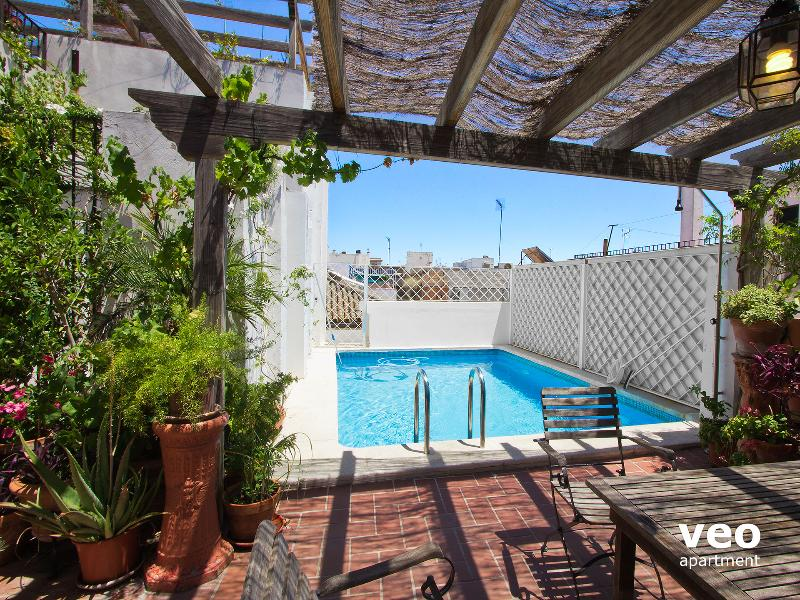 Miguel Terrace   4 bedroom with terrace and pool - Image 1 - Seville - rentals