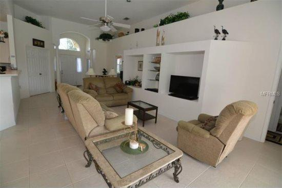 4 Bedroom 3 Bath South Facing Pool Home Overlooking Lake. 355HD - Image 1 - Orlando - rentals