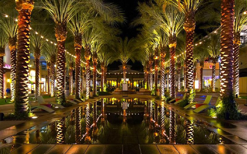 Nearby Scottsdale Shopping (less than 1 mile) Studio Villa (and we offer ONE, TWO and THREE Bedroom - AAA 4* Resort SAVE 50% Voted Best Vacation Rental - Scottsdale - rentals