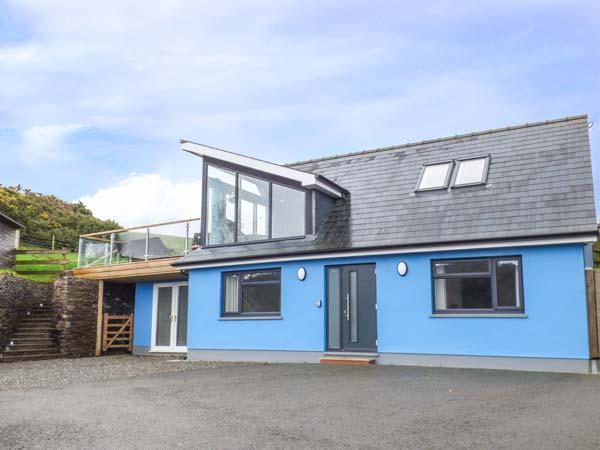 TY HENRI, pet-friendly cottage with sea views, WiFi, en-suites, luxury, Tresaith Ref 912886 - Image 1 - Cardigan - rentals