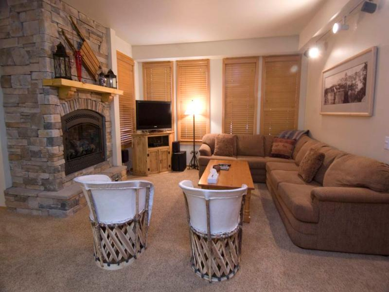 Comfortable Condo in Mammoth Lakes (#871 Par Court) - Image 1 - Mammoth Lakes - rentals