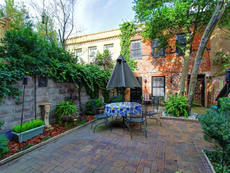 East Jones Lane- Beautiful carriage house - Image 1 - Savannah - rentals