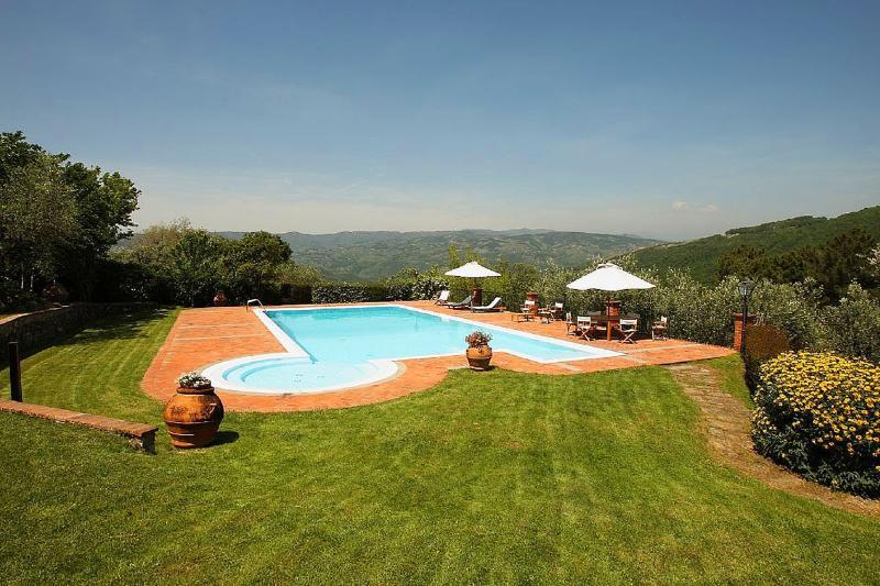 Villa dell Angelo, Sleeps 8 - Image 1 - Montecatini Terme - rentals
