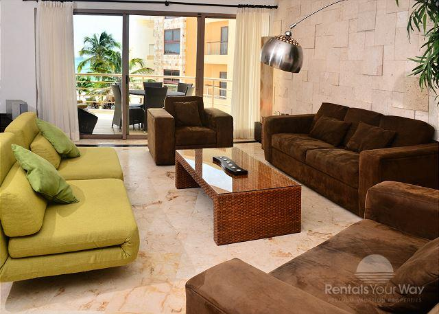 Corto Maltes 202 Playa del Carmen Living Room - Luxurious Beachfront Condo; 2-bdrm, 2-bath (CM202) - Playa del Carmen - rentals
