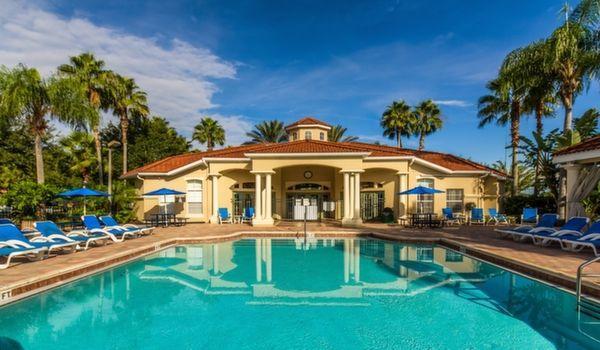 Just 2 miles to Disney!  Poolside Villa sleeps 10 - Image 1 - Kissimmee - rentals