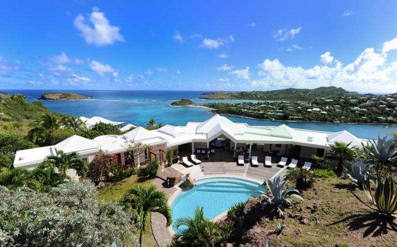 Ideal for Couples & Groups, Stunning Views, Huge Pool, Private Dock & Sea Access - Image 1 - Marigot - rentals