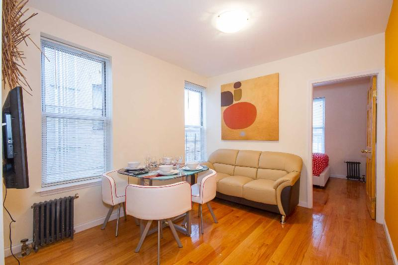 Living room - Stylish 2 BR flat to rent  in NYC 15min Time Squar - New York City - rentals
