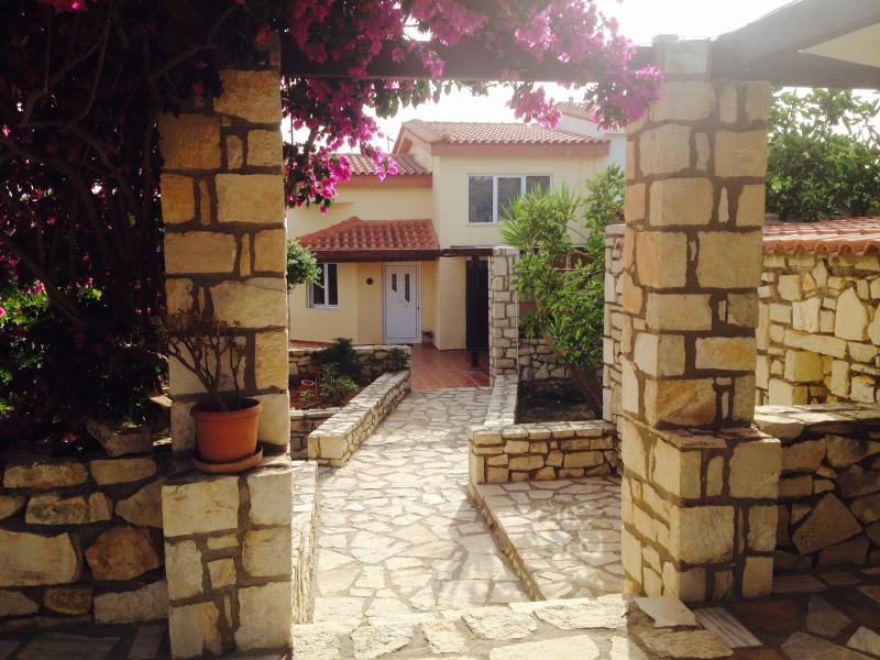 Villa Dane - Villa Danae quiet area ideal for couples & familie - Rethymnon - rentals