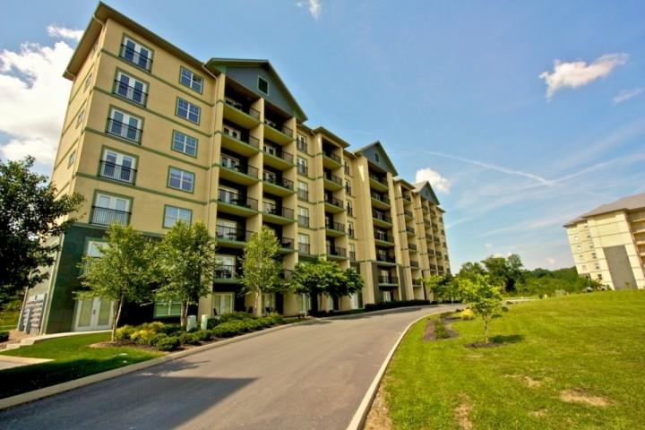 Mountain View 3604 - 2BR/2BA Luxury Condo - Heart of Pigeon Forge! - Image 1 - Pigeon Forge - rentals