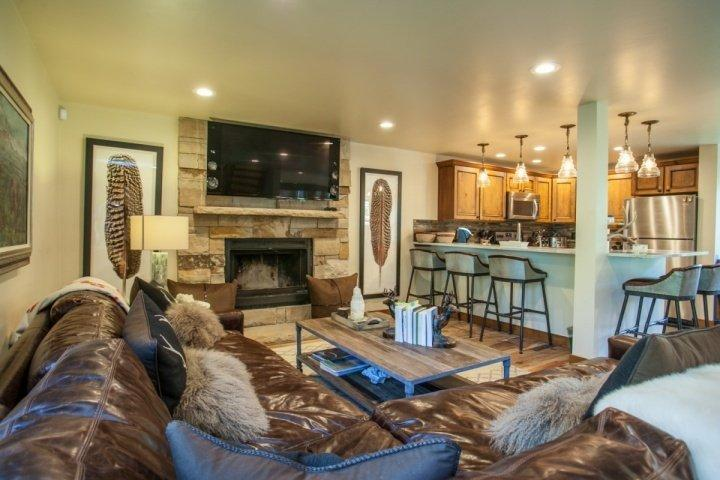 Modern mountain style with the living room, dining and kitchen as one lovely space to gather with friends and family. - East Vail Home, Private Hot Tub, Easy Bus Access to Vail, Recently Remodeled - Vail - rentals