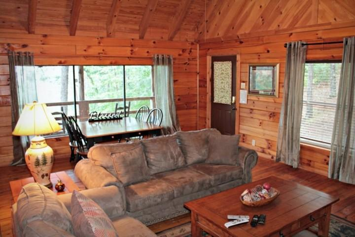 Townsend Cabin #3 Mountain Gem, Next to Heaven Trail Rides & Zip Lines - Image 1 - Townsend - rentals