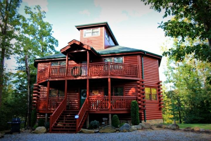 3BR/3BA Luxury Cabin in the Smokies - Private Indoor Pool & Theater Room - Image 1 - Cosby - rentals