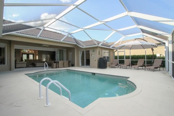 True Florida living with expansive indoor/outdoor space in this beautiful pool home! - Stunningly decorated & updated Briarwood Pool Home - Naples - rentals