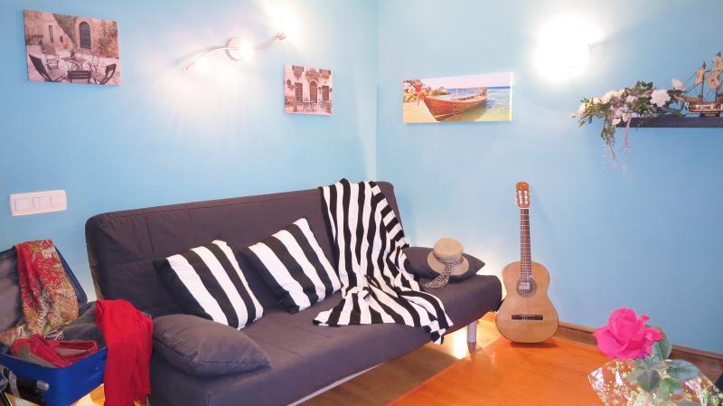 living room, sofa bed for 2 persons - MANUELA BEACH-CITY - Apartment - Lloret de Mar - rentals