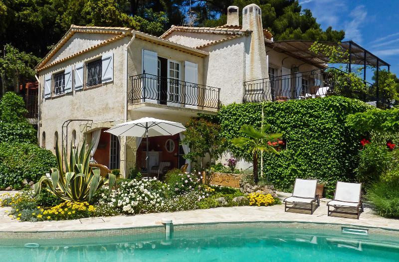 Villa Lac Verre - Image 1 - Saint-Cezaire-sur-Siagne - rentals