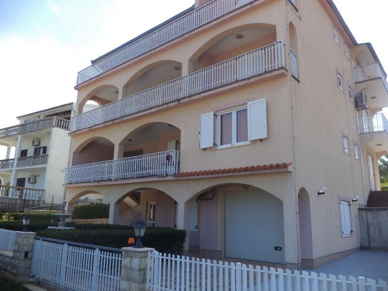 house - 8243 R2(2+1) - Pridraga - Gornji Karin - rentals
