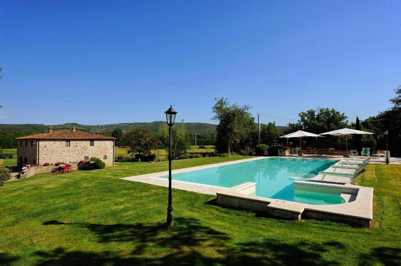 5 bedroom Villa in Bucine, Siena and surroundings, Tuscany, Italy : ref 2307239 - Image 1 - Bucine - rentals