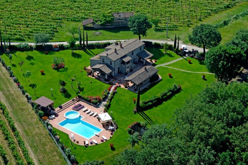 Villa il Laghetto - Image 1 - Castiglion Fiorentino - rentals