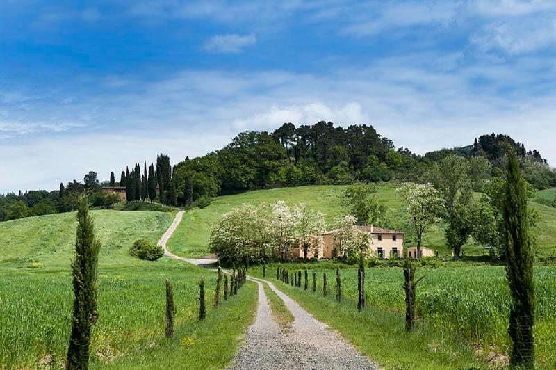 4 bedroom Villa in Castiglion Fiorentino, Cortona and surroundings, Tuscany, Italy : ref 2307273 - Image 1 - Castiglion Fiorentino - rentals